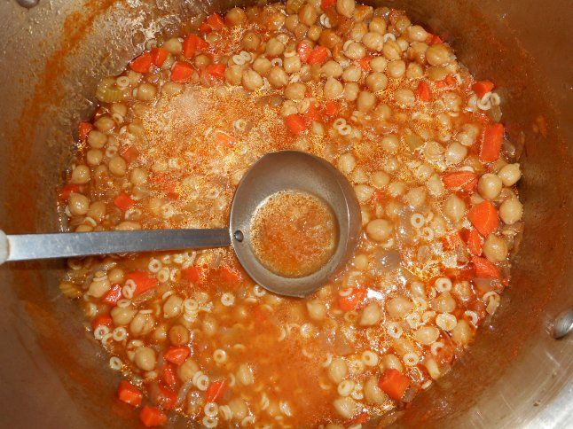 chickpea soup, salad, bread 017
