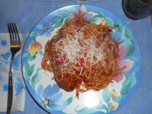 spagetti and raspberry muffins 020