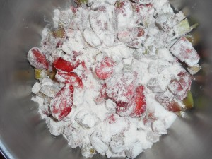 strawberry rhubarb pie 006