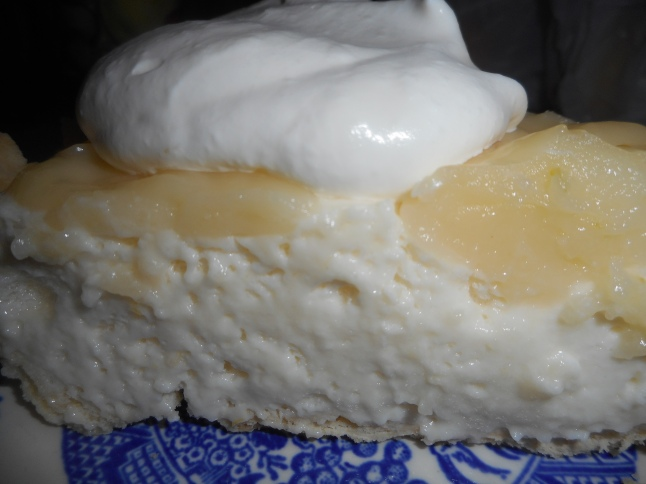 lemon velvet pie 014