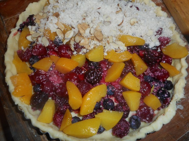 pulled pork tacos and berry berry tart 003