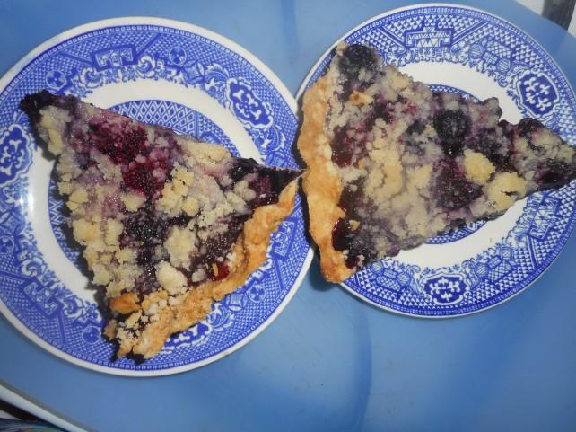 cherry berry pie 005