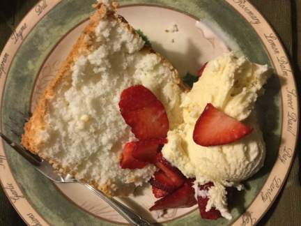 angel-food-with-strawberries