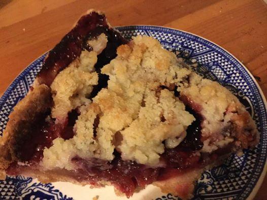 berry-apple-pie-slice