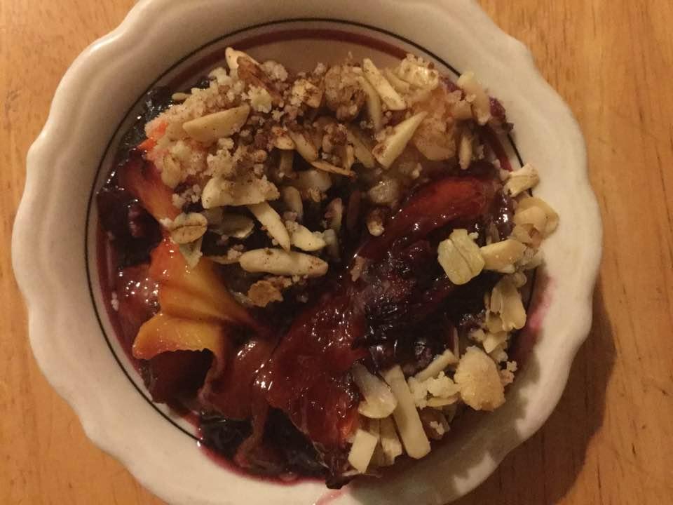 blueberry peach crisp in dish