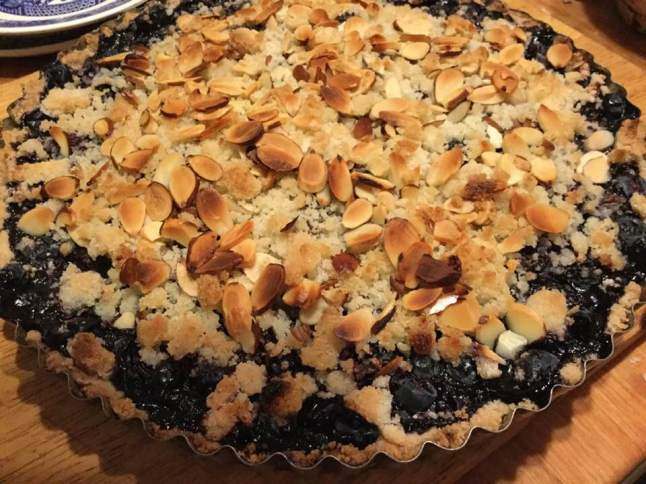 blueberry tart baked, cookie crust