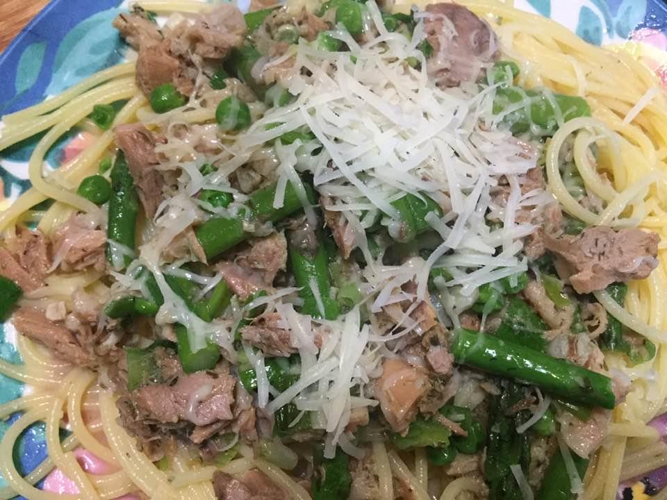 seafood spagetti on plate
