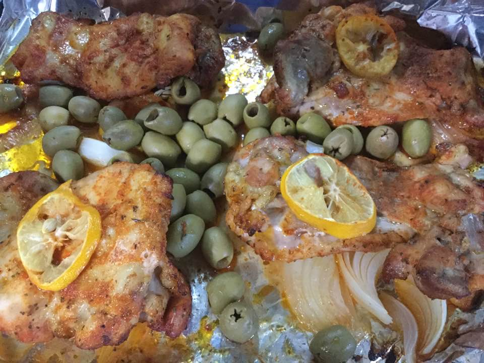 chicken with olives in pan